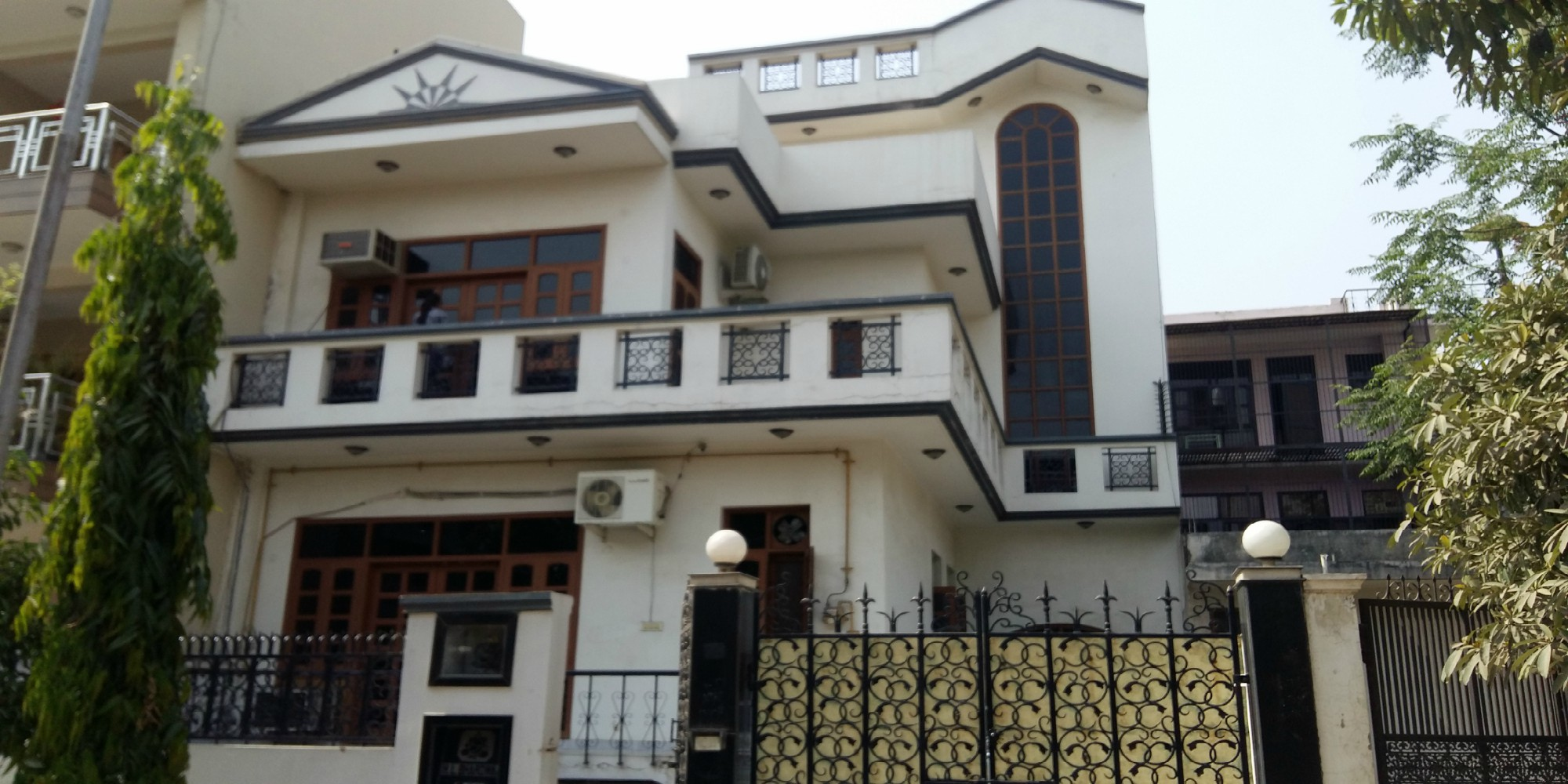 Residential Villa Rent Alpha 1 Greater Noida